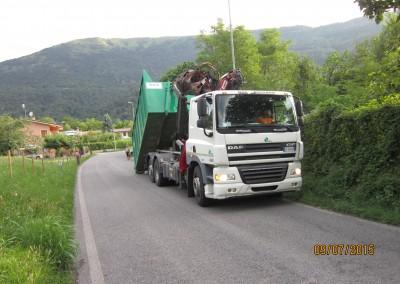 Il camion SNUA che ritira